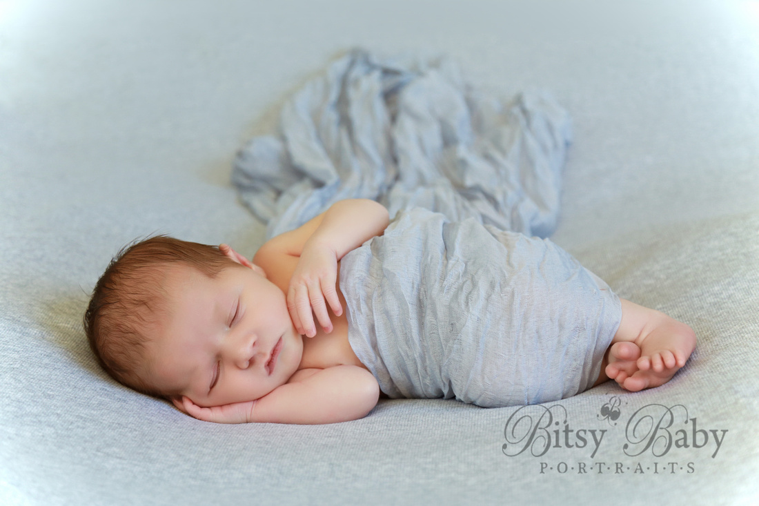 newborn photography, grey wrap, grey blanket