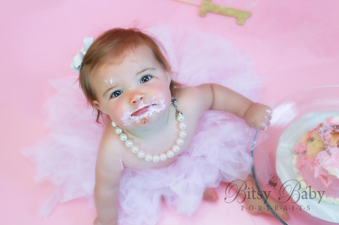 1-year cake smash, pink tutu, pearls