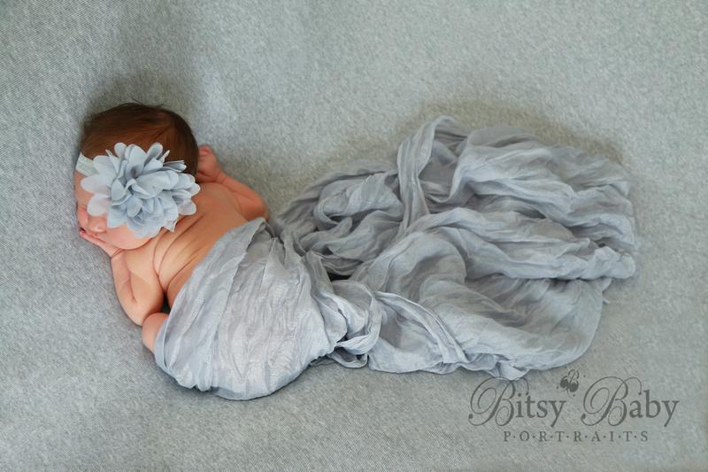 Newborn photography, Froggy pose, grey blanket