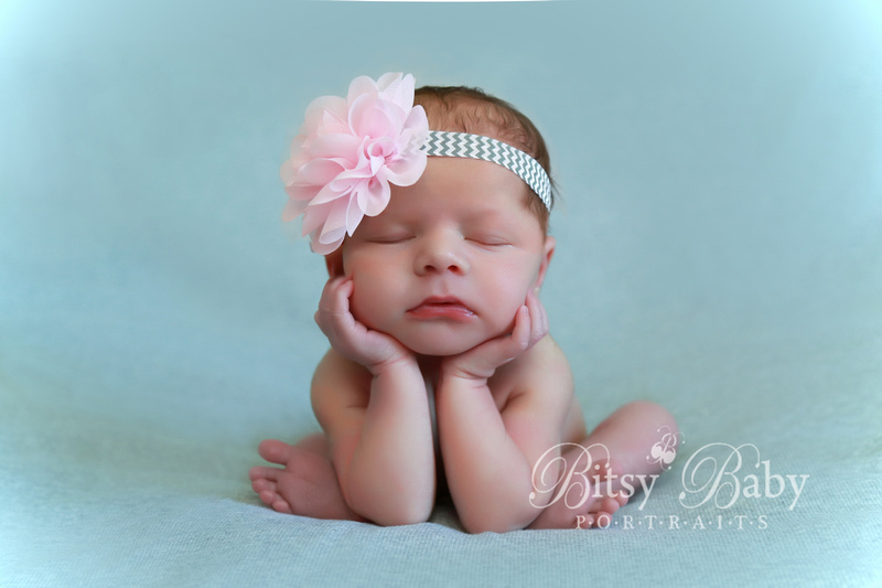 newborn photography, pink bow, grey blanket