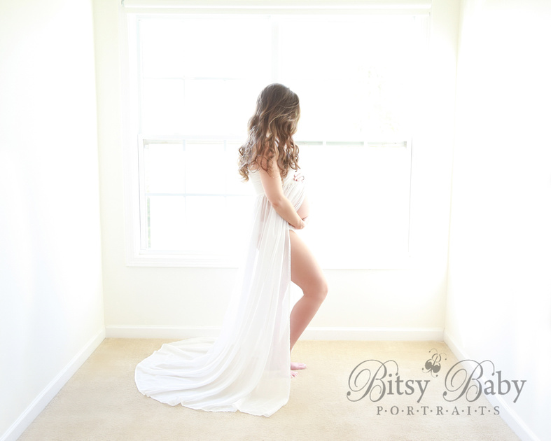 white maternity gown, maternity photo session, newborn session, sheer fabric, gorgeous hair